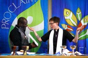 Seminarian Gus Barnes, Jr. and Rev. Angela Nelson leading worship. Photo by Emily Ann Garcia.